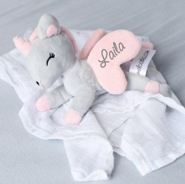 Unicorn liggend Grijs-rose met Doek